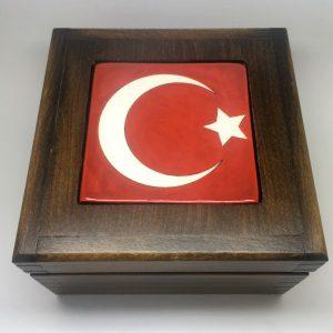 Türk Bayrağı Desenli İznik Çinili Ahşap Kutu