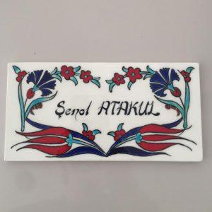 Karanfil desenli İznik çini isimlik iş hediyesi