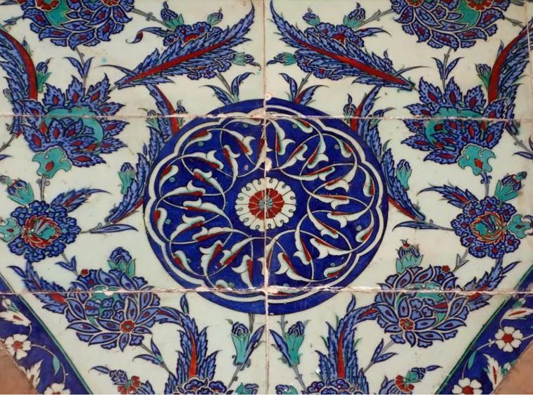 İstanbul Rüstem Paşa Cami Çinileri